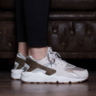 Damen Schuhe sneakers Nike Air Huarache Run Premium Suede 833145 001