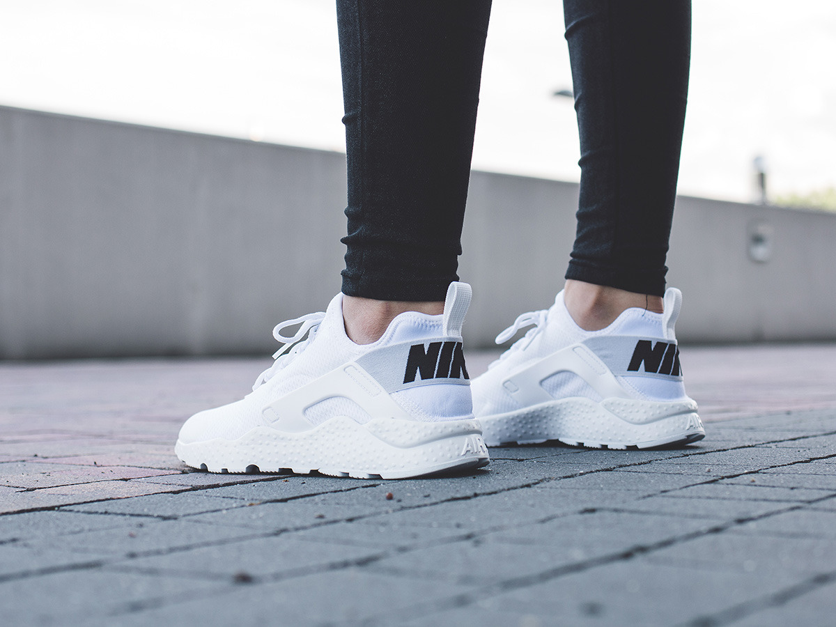 Nike Air Max Ultra  Womens Black Shoes