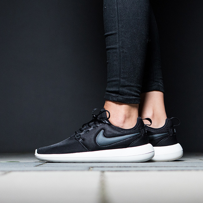 Shop Nike black Roshe Two SE 881188 001 for Women in Qatar