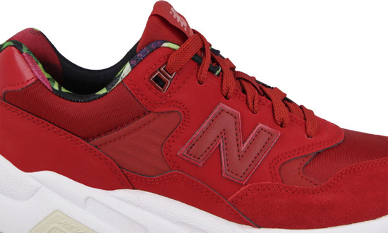 Damen Schuhe sneakers New Balance WRT580RR