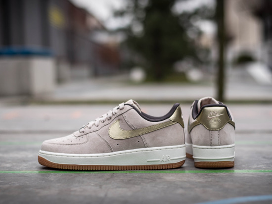 Damen Schuhe sneakers Nike Air Force 1 '07 Premium Suede 818595 200