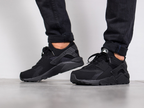 Herren Schuhe sneakers Nike Air Huarache Triple Black 318429 003