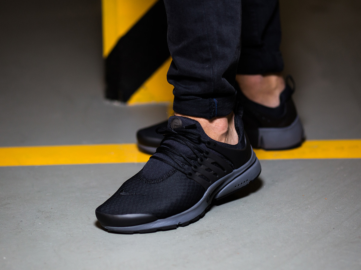 Nike Zero Shoes Black