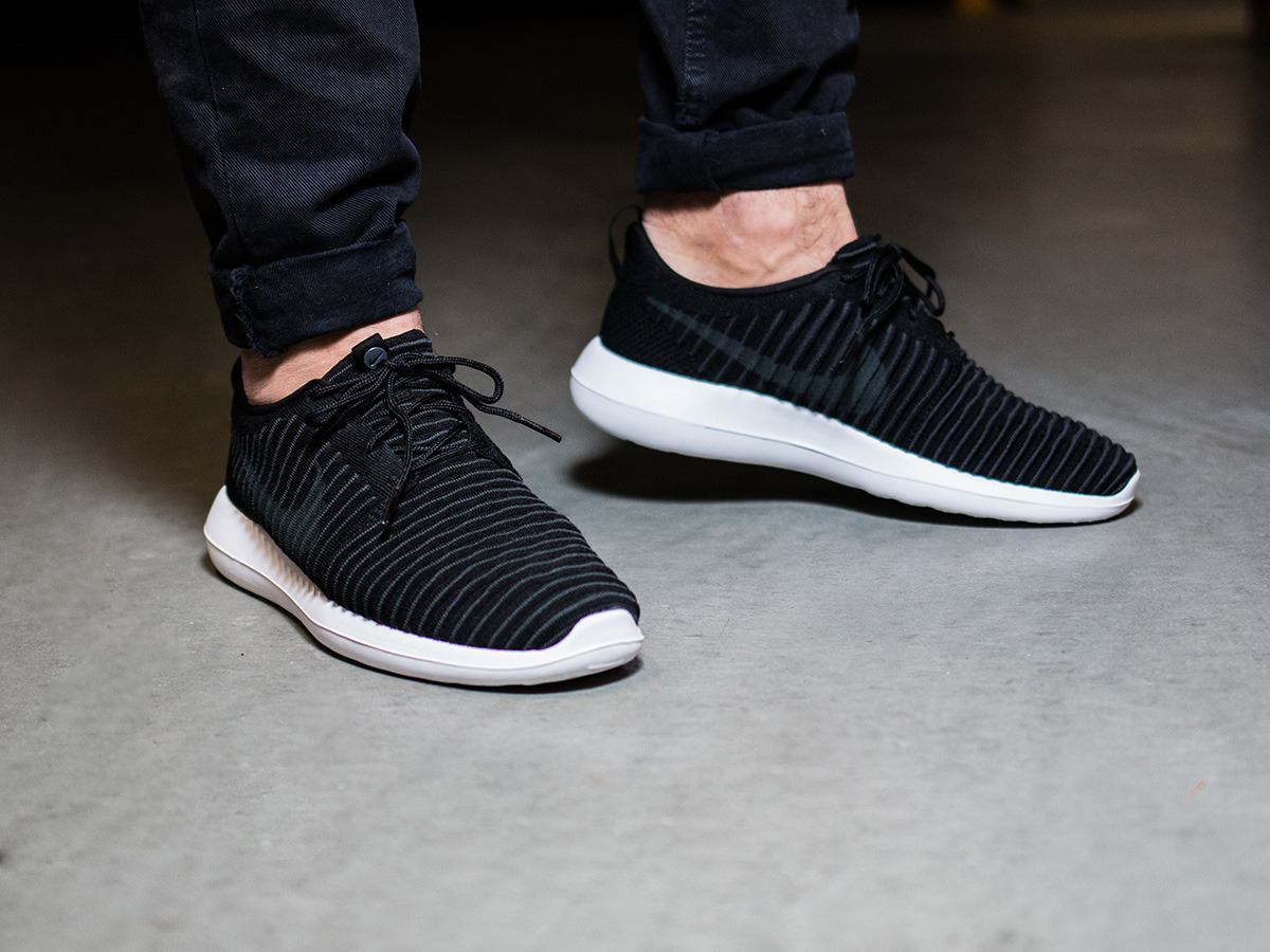 Mens Roshe Two Flyknit Shoes