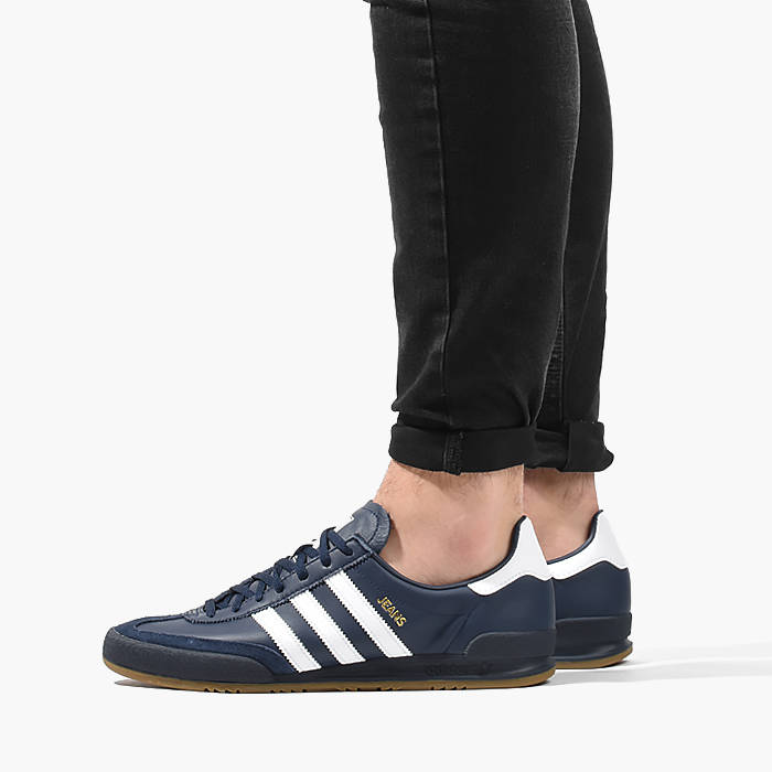 Adidas Sneakers With Jeans </p>                     </div> 		  <!--bof Product URL --> 										<!--eof Product URL --> 					<!--bof Quantity Discounts table --> 											<!--eof Quantity Discounts table --> 				</div> 				                       			</dd> 						<dt class=